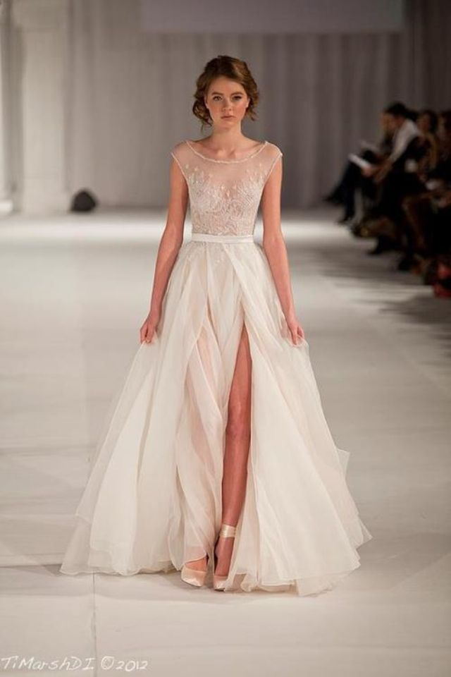 1c4a70fc63b20435ab60d6196c061b32--gorgeous-dress-beautiful-wedding-dress