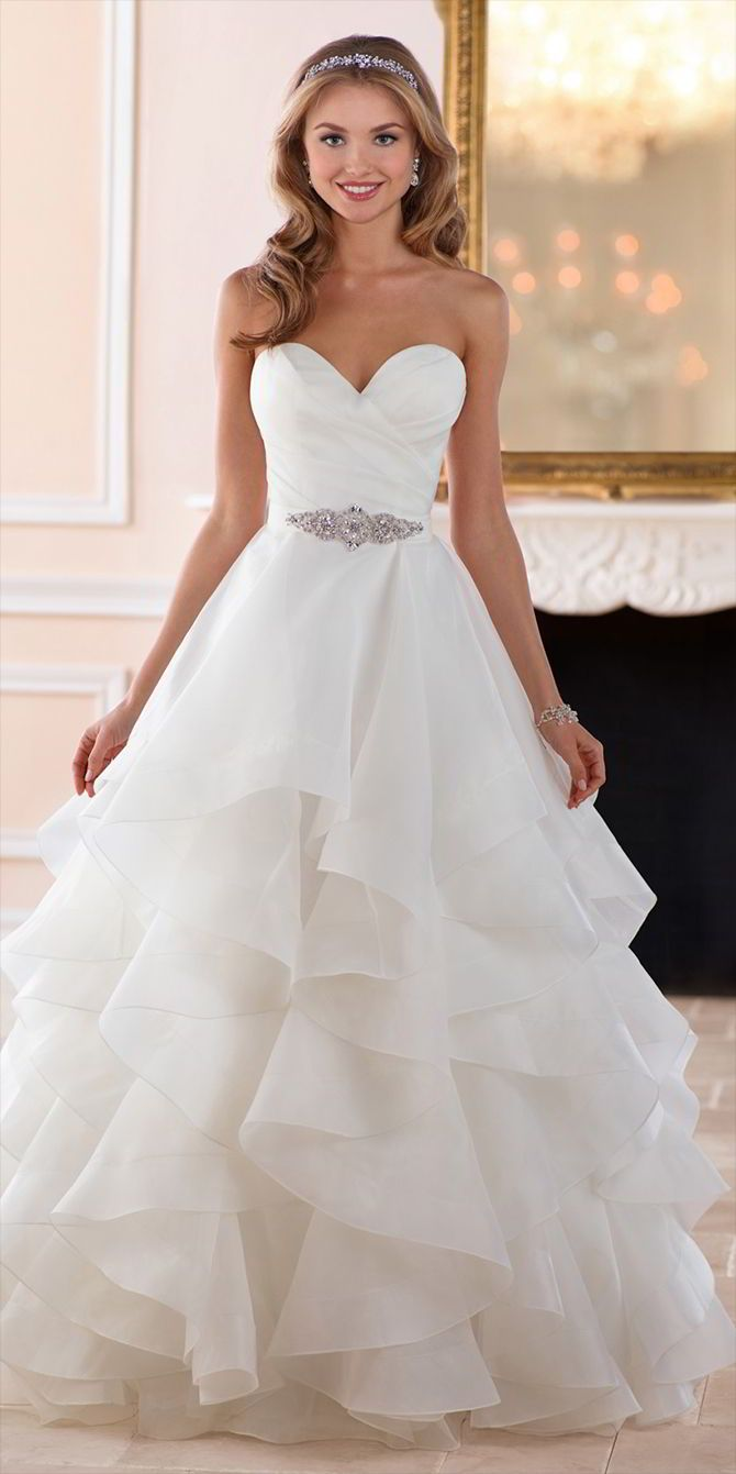 32bd6a552853d0c3251d3e2e0a3e1765--wedding-dresses-with-belts-wedding-dress-with-ruching