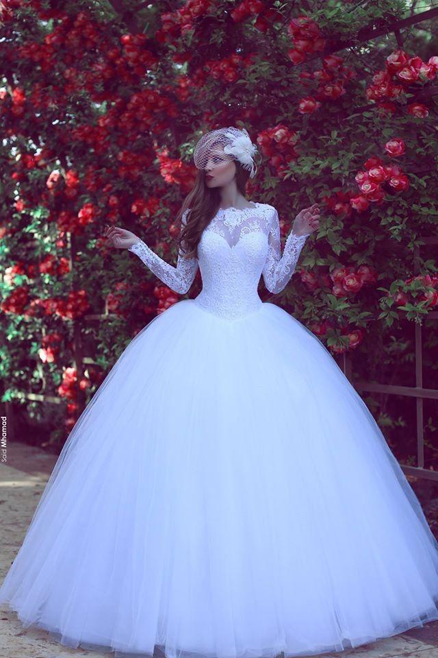 8e5b199e7b790ebc6e0a34121d87d667--wedding-bridesmaid-dresses-white-wedding-dresses