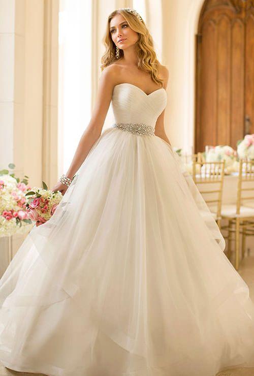 e0d942ffbf2ae0a4114ef1c207460ad3--mod-wedding-wedding-dress